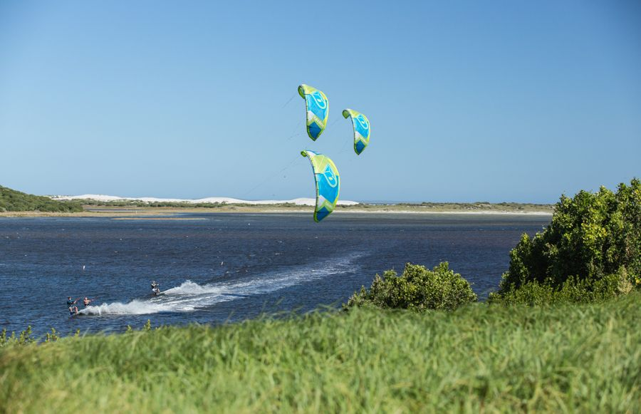 THE WORLD'S FAVORITE FREERIDE KITE – LITHIUM V10 6