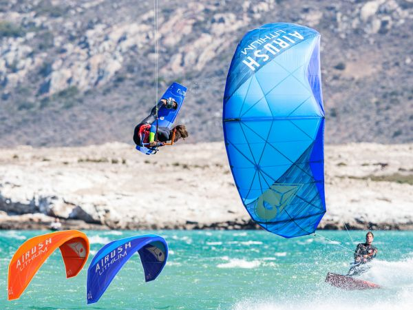 THE WORLD'S FAVORITE FREERIDE KITE – LITHIUM V10 7