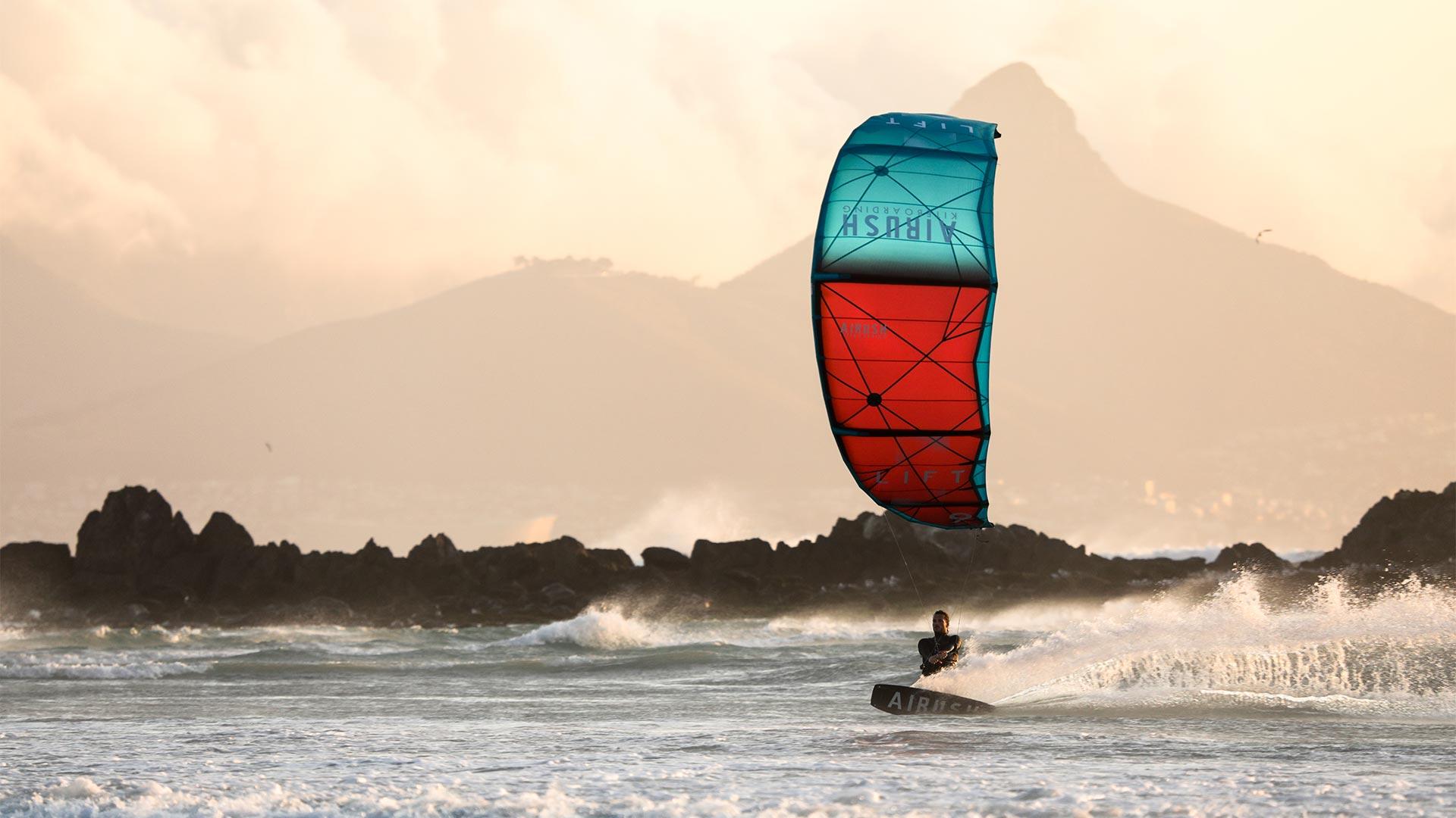 21_Airush_Gallery_Kites_Lift_Red_img-02