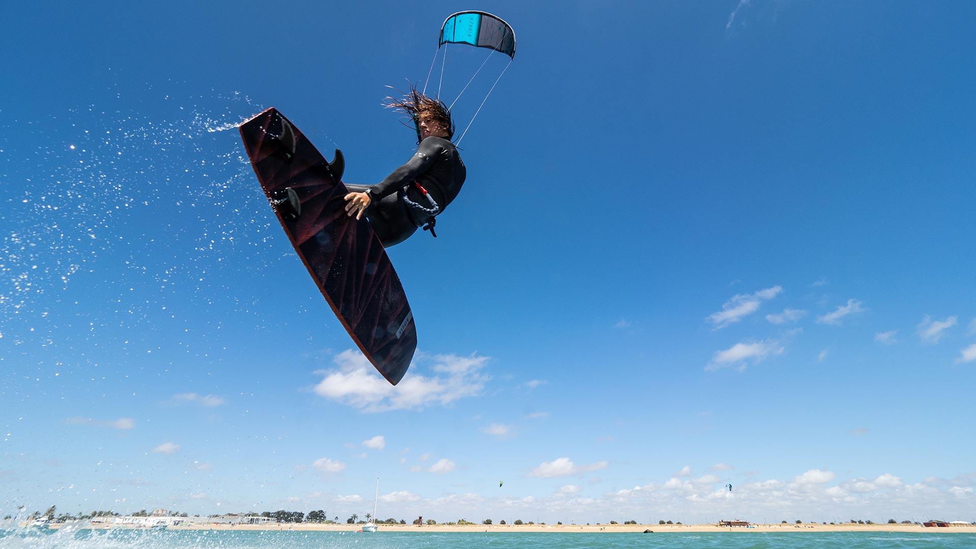 21_Airush_Gallery_Kites_Lift_Slate_img-04