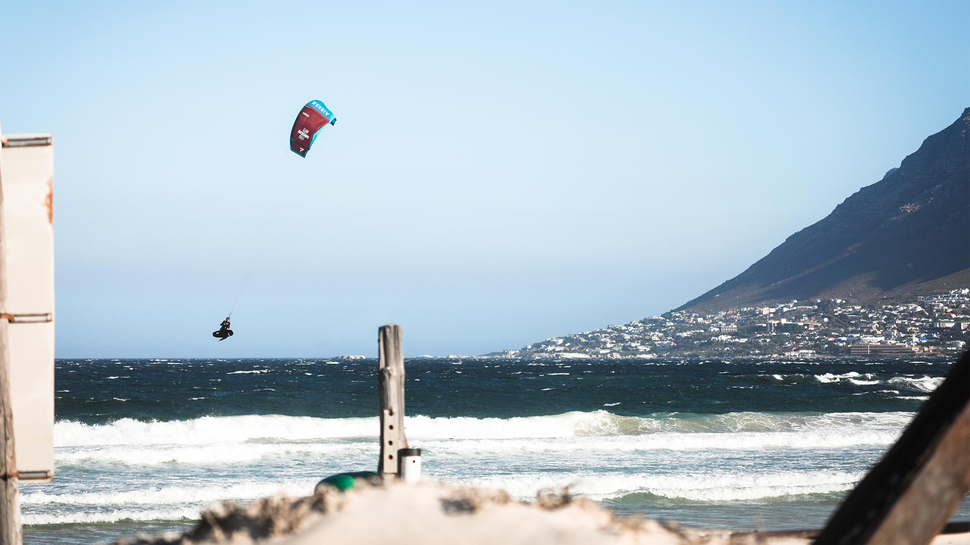 21_Airush_Gallery_Kites_Session_Red_img-07