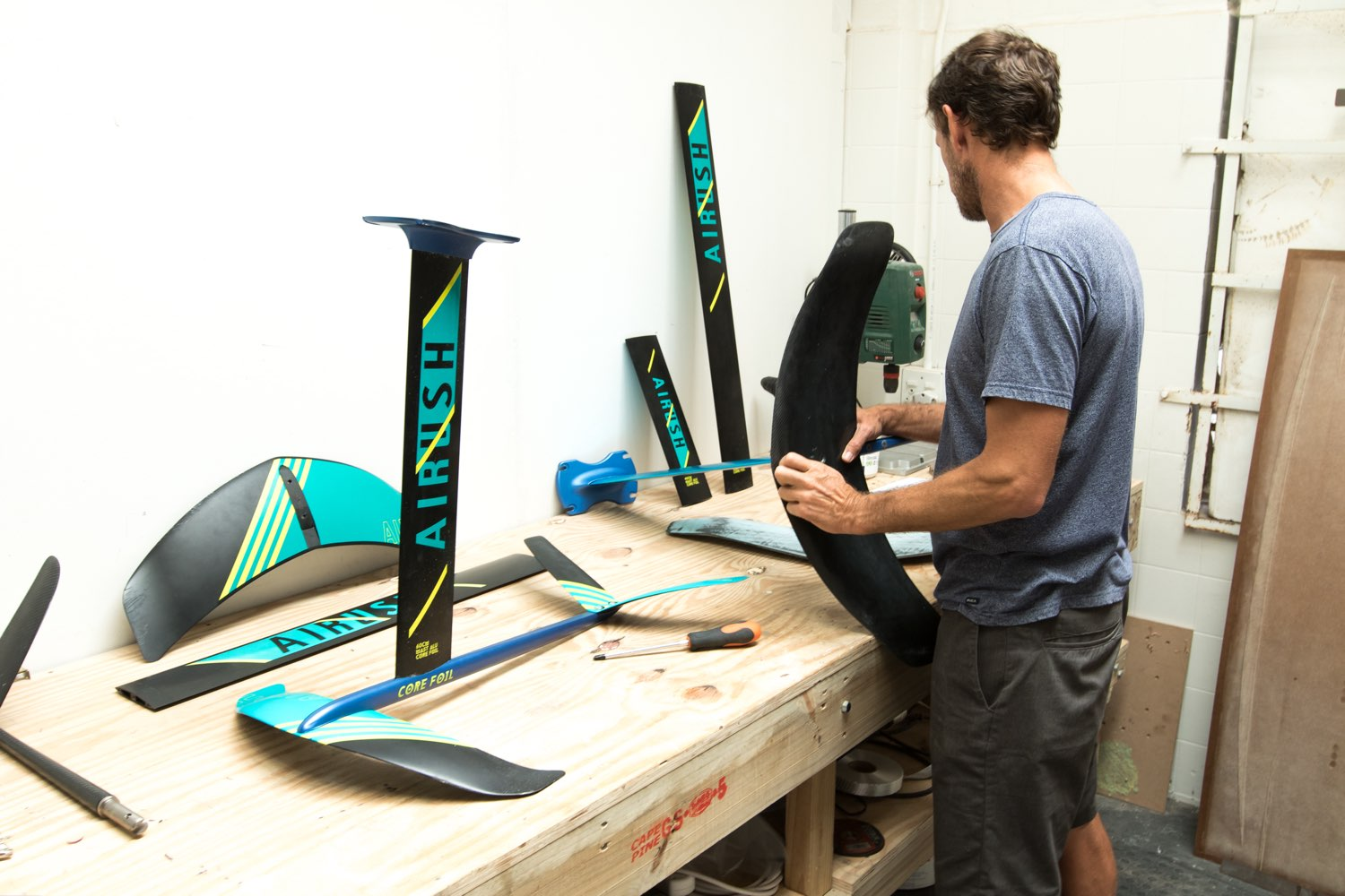 BEHIND THE DESIGN – THE AIRUSH FOIL SERIES 18