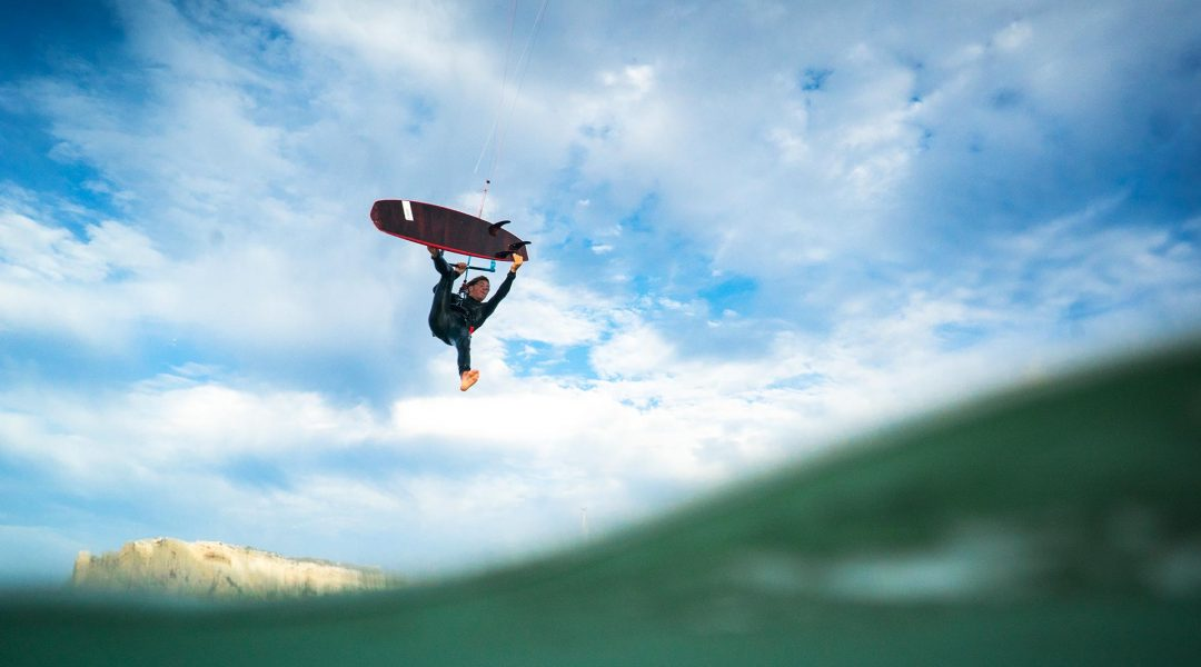 21_Airush_Gallery_Surf-Directionals_Cypher_Red_img-02